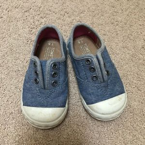 TOMS chambray slip on sneakers (Toddler sz 5)